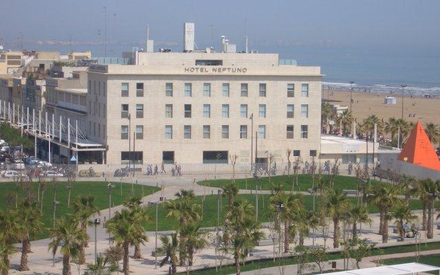Neptuno Hotel вид на фасад