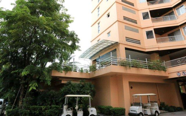 Апартаменты J Town serviced Apartments вид на фасад