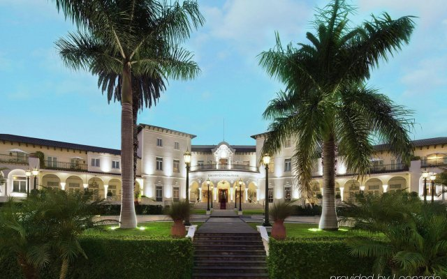 Отель Country Club Lima Hotel - The Leading Hotels of the World Перу, Лима - отзывы, цены и фото номеров - забронировать отель Country Club Lima Hotel - The Leading Hotels of the World онлайн вид на фасад