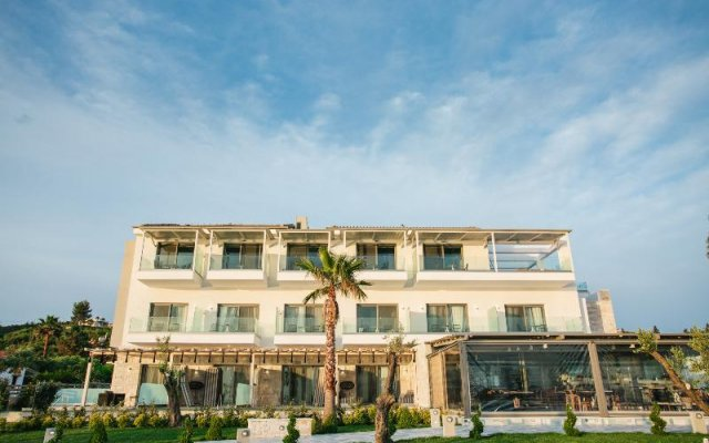 Отель Blue Carpet Luxury Suites Греция, Ханиотис - отзывы, цены и фото номеров - забронировать отель Blue Carpet Luxury Suites онлайн вид на фасад