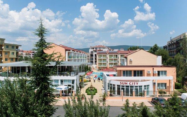 Отель Sun City Hotel Болгария, Солнечный берег - отзывы, цены и фото номеров - забронировать отель Sun City Hotel онлайн вид на фасад