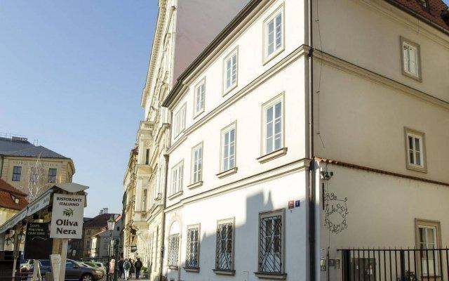 Апартаменты Happy Prague Apartments вид на фасад