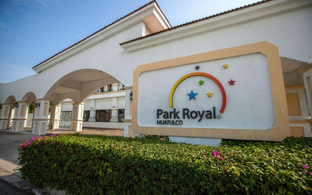 Отель Park Royal Beach Resort Huatulco вид на фасад