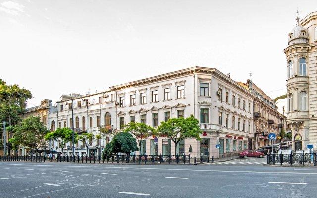 Отель Boombully Hotel Грузия, Тбилиси - отзывы, цены и фото номеров - забронировать отель Boombully Hotel онлайн вид на фасад