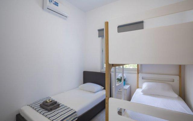 Отель Protaras Ayios Elias Alice Suite комната для гостей