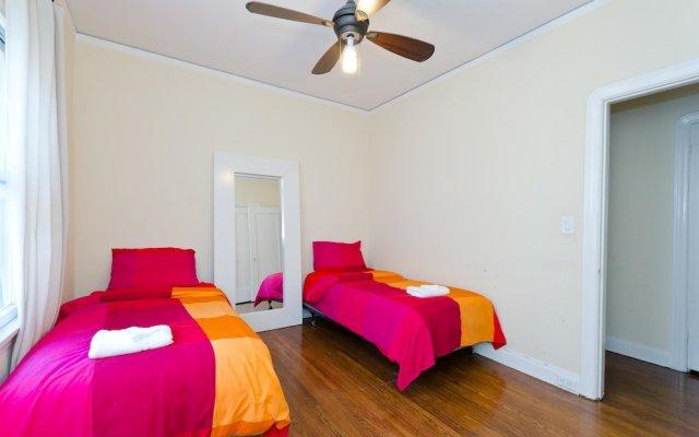 Отель LA155 2 Bedroom Apartment By Senstay США, Лос-Анджелес - отзывы, цены и фото номеров - забронировать отель LA155 2 Bedroom Apartment By Senstay онлайн комната для гостей