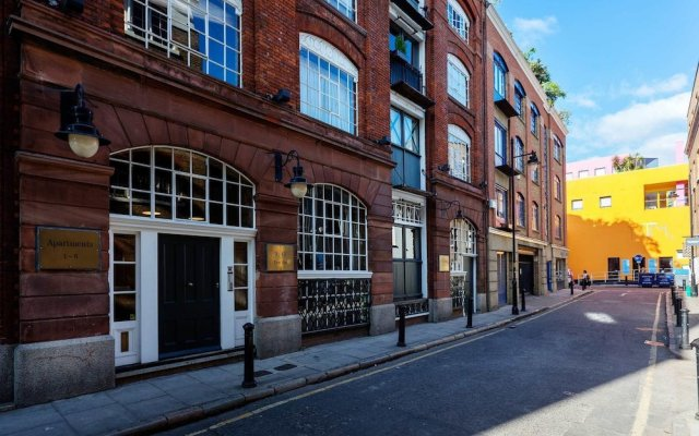 Отель Warehouse Loft in London Bridge вид на фасад