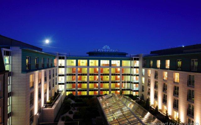 Отель Grand Elysee Hamburg вид на фасад