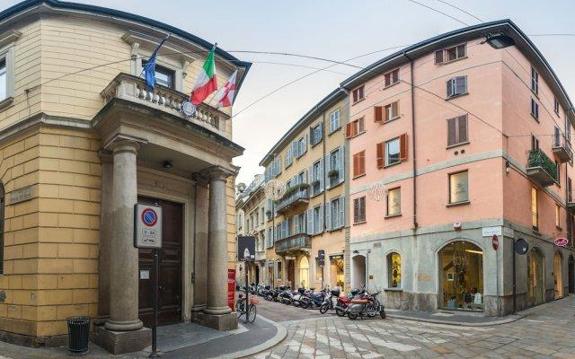 Отель The Place - Spiga Италия, Милан - отзывы, цены и фото номеров - забронировать отель The Place - Spiga онлайн вид на фасад