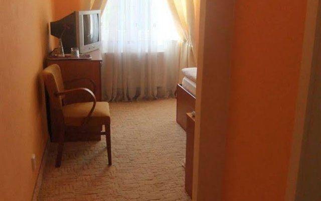 Отель Rezidence Bradfort Чехия, Карловы Вары - 1 отзыв об отеле, цены и фото номеров - забронировать отель Rezidence Bradfort онлайн вид на фасад