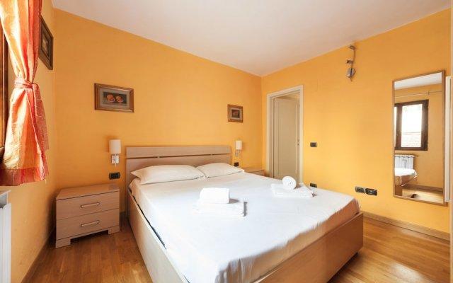 Отель Like a local in Oltrarno комната для гостей