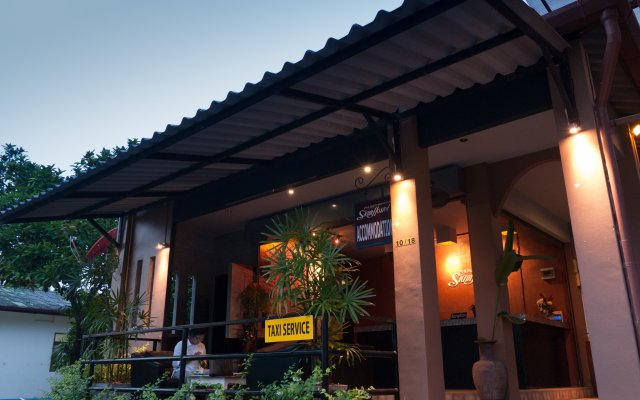 Отель Phuket Siam Villas вид на фасад