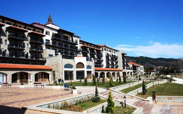 Отель RIU Pravets Golf & SPA Resort вид на фасад