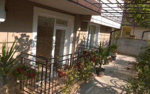 Отель Dracena Guesthouse Болгария, Равда - отзывы, цены и фото номеров - забронировать отель Dracena Guesthouse онлайн вид на фасад