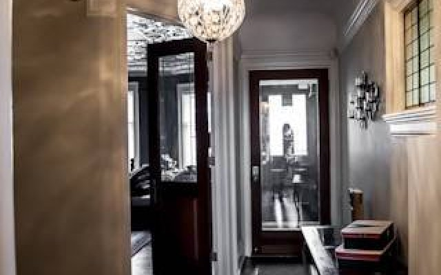 The Winchester Toronto - Tourist Home