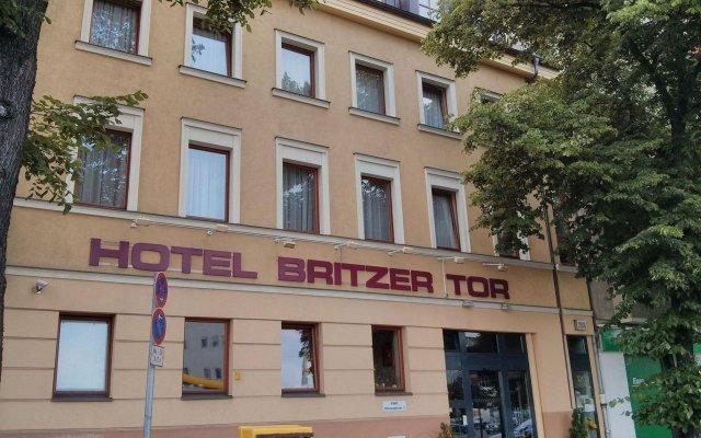 Отель Britzer Tor вид на фасад