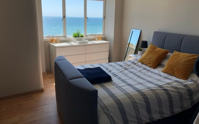 Отель 2 Bedroom Flat With Stunning Sea Views and Balcony Брайтон комната для гостей