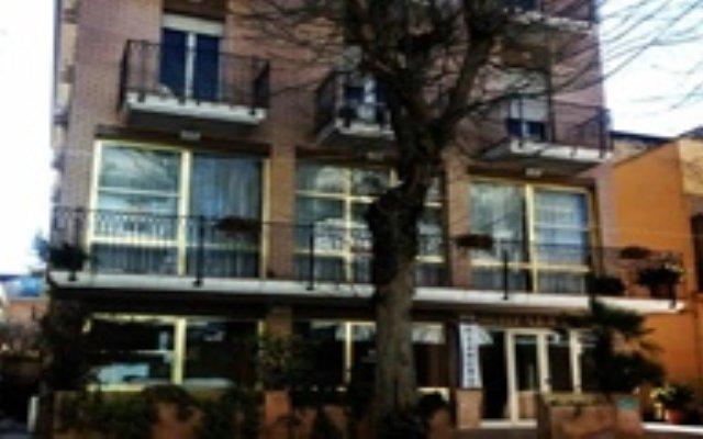Hotel Ardea вид на фасад