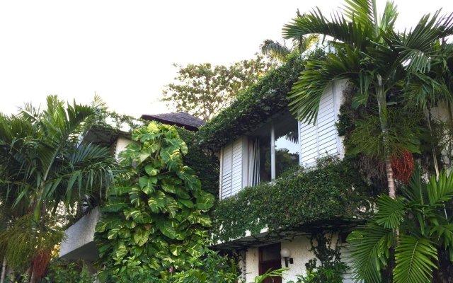 Отель Goblin Hill Villas at San San вид на фасад