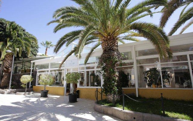 Отель Checkin Bungalows Atlantida вид на фасад
