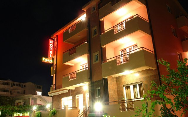 Garni Hotel Fineso вид на фасад
