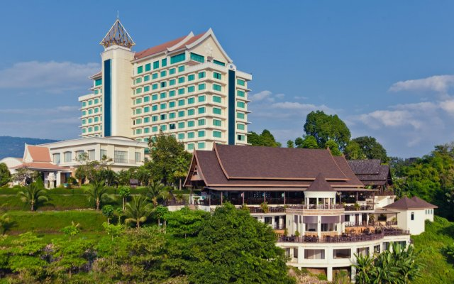 Champasak Grand Hotel вид на фасад