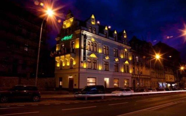Hotel Alfred вид на фасад