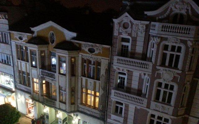 Отель Hostel Center Plovdiv Болгария, Пловдив - отзывы, цены и фото номеров - забронировать отель Hostel Center Plovdiv онлайн вид на фасад