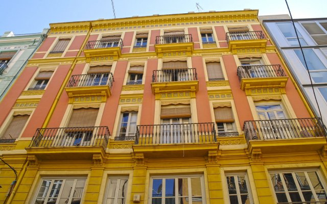 Отель Down Town 13 Испания, Валенсия - отзывы, цены и фото номеров - забронировать отель Down Town 13 онлайн вид на фасад