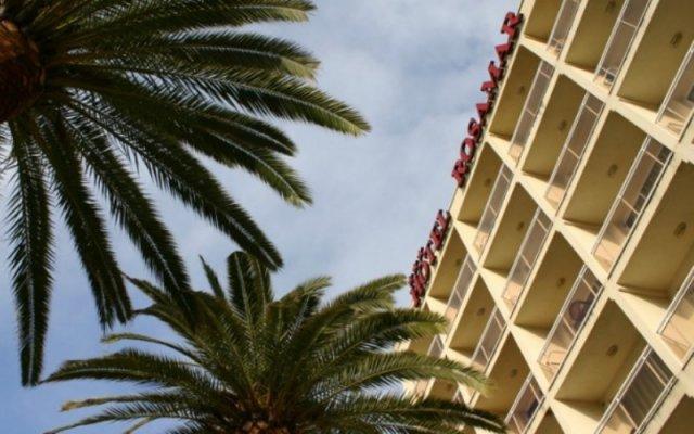 Отель Rosamar Maritim Испания, Льорет-де-Мар - 1 отзыв об отеле, цены и фото номеров - забронировать отель Rosamar Maritim онлайн вид на фасад