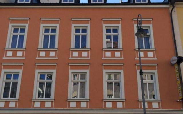 Отель Pension Dvorak Чехия, Карловы Вары - отзывы, цены и фото номеров - забронировать отель Pension Dvorak онлайн вид на фасад