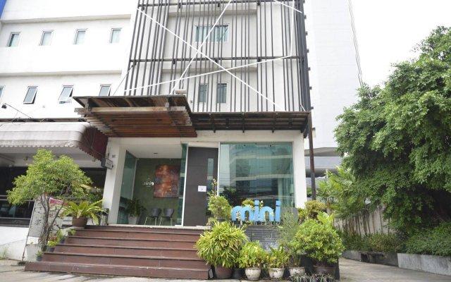 Отель The Mini R Ratchada Hotel Таиланд, Бангкок - отзывы, цены и фото номеров - забронировать отель The Mini R Ratchada Hotel онлайн вид на фасад