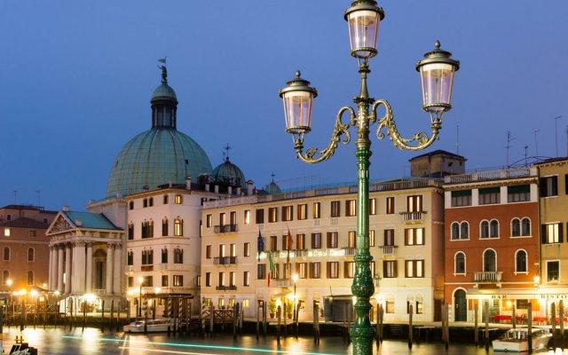 Отель Carlton on the Grand Canal Италия, Венеция - 3 отзыва об отеле, цены и фото номеров - забронировать отель Carlton on the Grand Canal онлайн вид на фасад