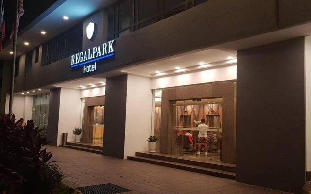 Отель REGALPARK Hotel Kuala Lumpur Малайзия, Куала-Лумпур - отзывы, цены и фото номеров - забронировать отель REGALPARK Hotel Kuala Lumpur онлайн вид на фасад