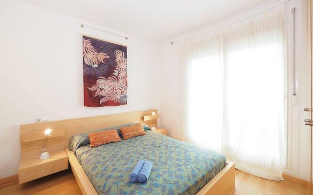 Отель Aquamarina - One Bedroom комната для гостей