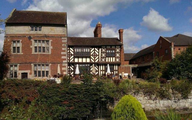 Albright Hussey Manor Hotel вид на фасад