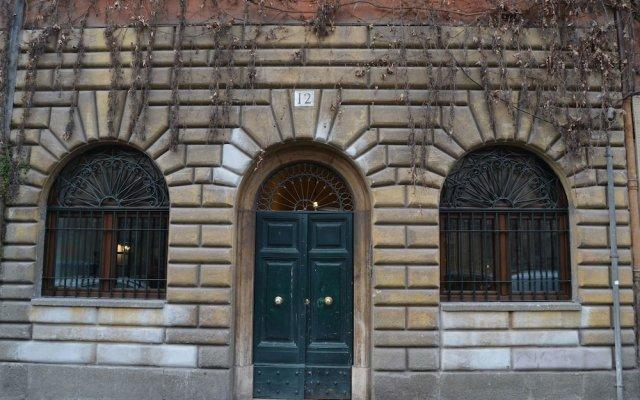 Отель Fori Romani B&B Рим вид на фасад