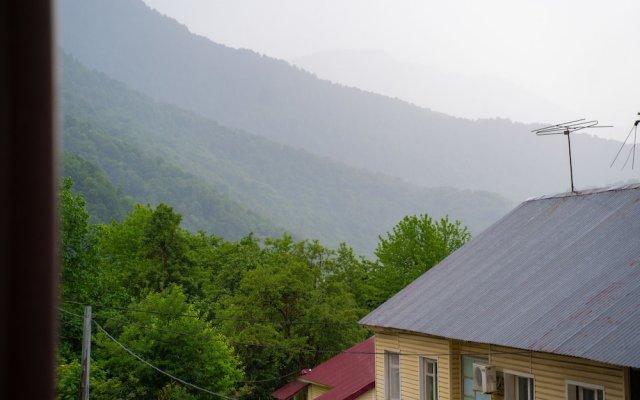 Апартаменты More Apartments na GES 5 (1) Красная Поляна балкон