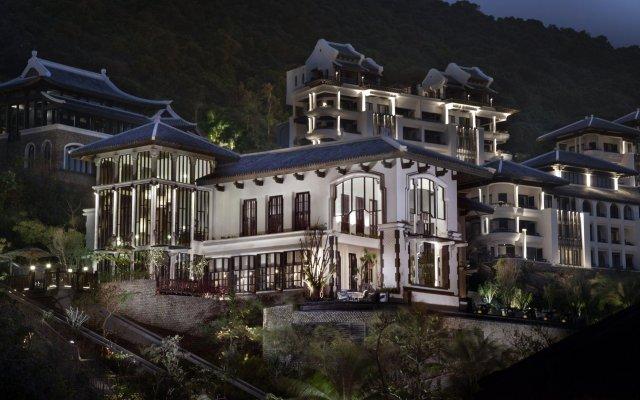 Отель InterContinental Danang Sun Peninsula Resort вид на фасад