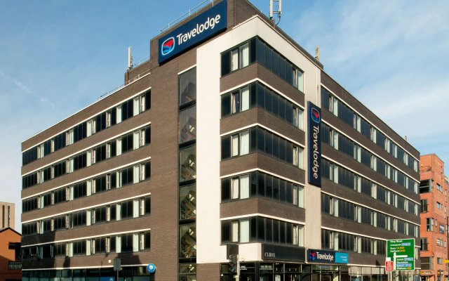 Travelodge Manchester Ancoats Hotel вид на фасад