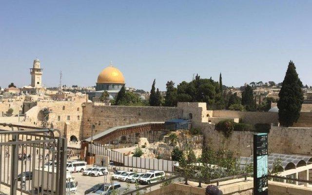 Mount Of Olives Hotel Израиль, Иерусалим - 4 отзыва об отеле, цены и фото номеров - забронировать отель Mount Of Olives Hotel онлайн балкон
