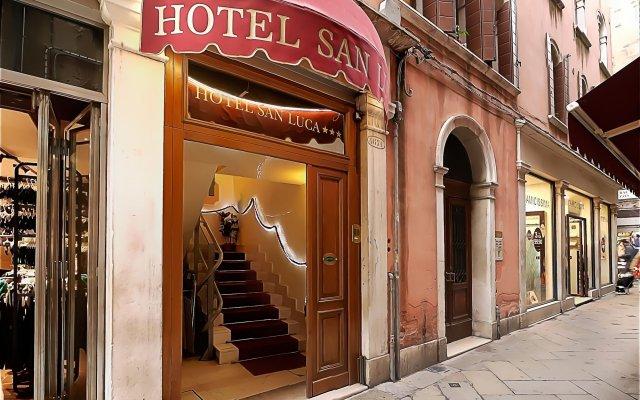Hotel San Luca Venezia вид на фасад