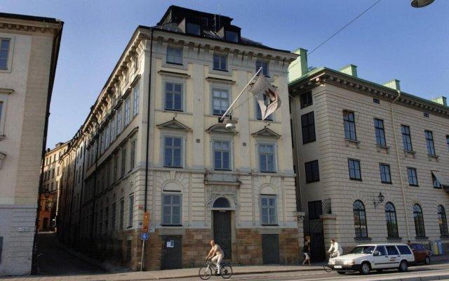 Dockside Hostel Old Town Стокгольм вид на фасад