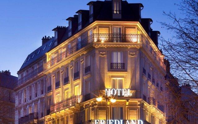 Отель Champs Elysees Friedland Париж вид на фасад