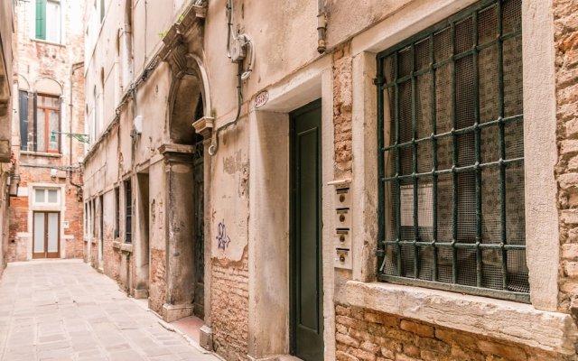 Отель Gold And Red - The Venetian Style Италия, Венеция - отзывы, цены и фото номеров - забронировать отель Gold And Red - The Venetian Style онлайн вид на фасад