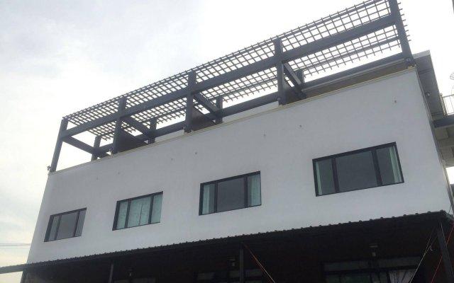 Отель Poonsap Apartment Таиланд, Ланта - отзывы, цены и фото номеров - забронировать отель Poonsap Apartment онлайн вид на фасад