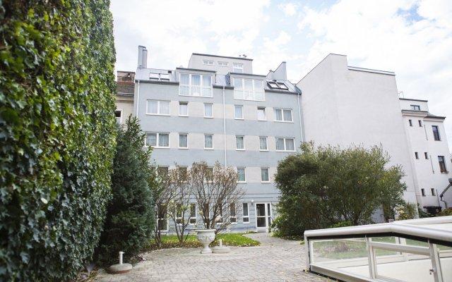 Отель Residenz Donaucity Австрия, Вена - отзывы, цены и фото номеров - забронировать отель Residenz Donaucity онлайн вид на фасад
