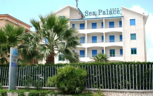 Sea Palace Hotel Фускальдо вид на фасад