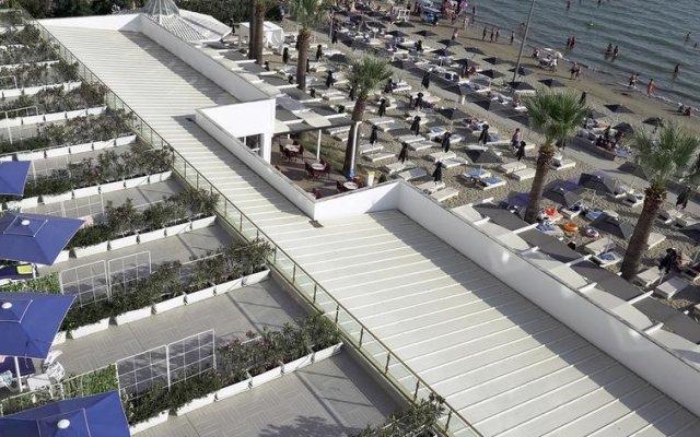 Adriatik Hotel Дуррес вид на фасад