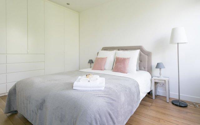 Отель SoChic Suites Paris Montmartre комната для гостей